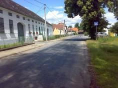 Hlavní silnice - směr odBačkovic